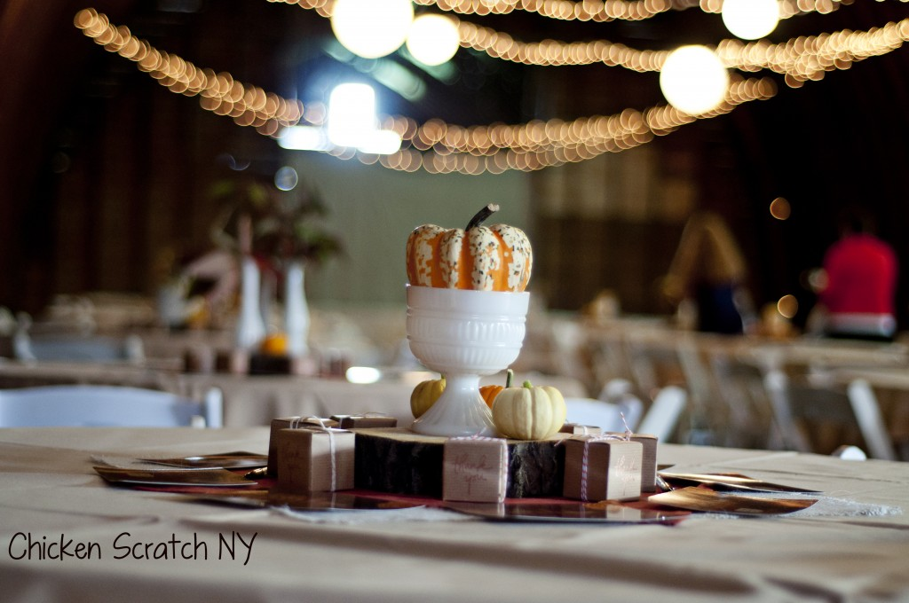 autumn barn wedding tablesetitng