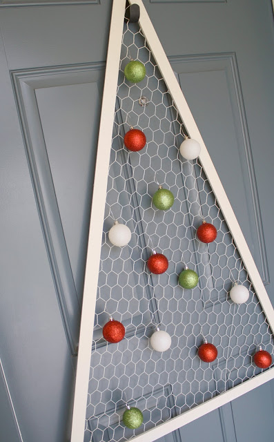 15 diy chicken wire projects for Chicken wire craft ideas