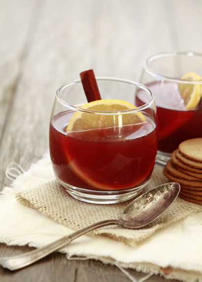 spiced-pomegranate-apple-cider