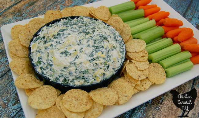 A quick and healthy variation of spinach artichoke dip that comes together almost instantly to get you back to the game in no time #MadewithChobani #sponsored