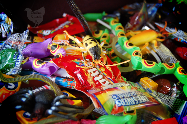 Bring some fun to the party with a fun DIY Treat Bag craft to hold your Halloween Pinata goodies! Bonus ideas for candy-free pinata fillers